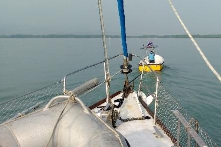 boat2-573x382